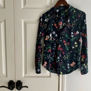 ANN TAYLOR Navy Floral LS Button Front Top XS